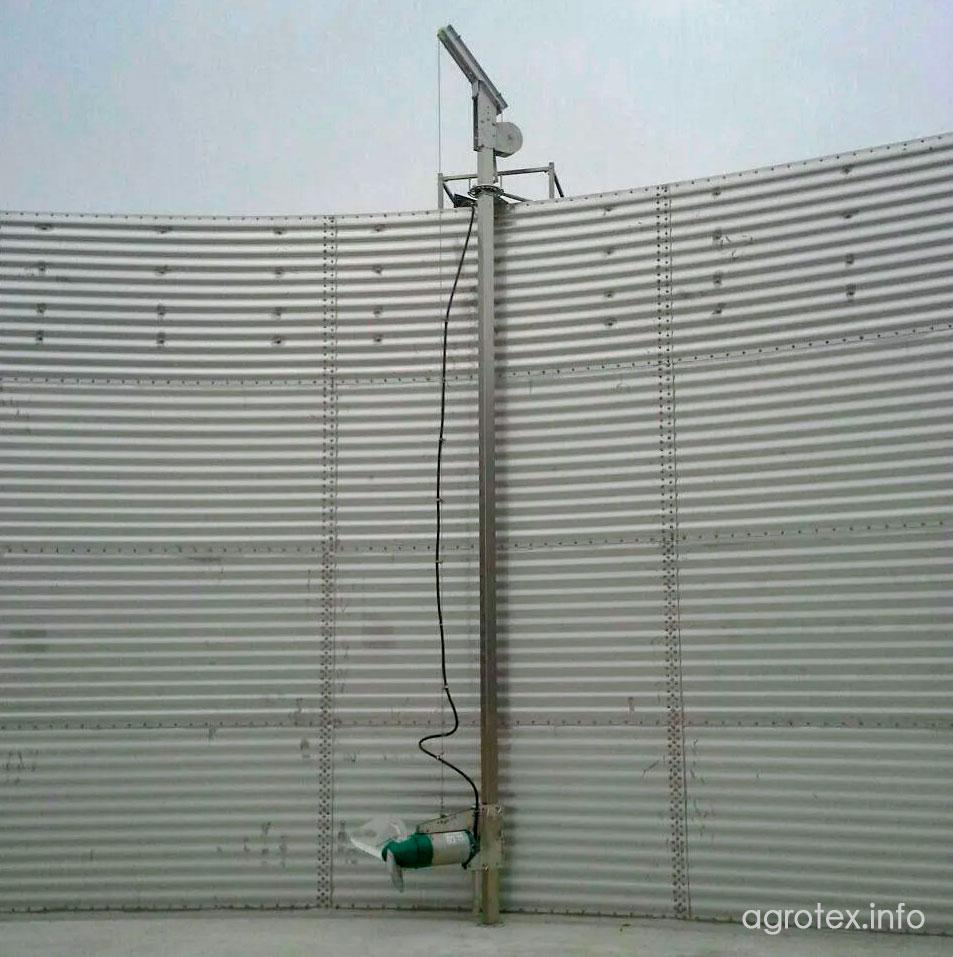 Встановлення міксеру здійснюється на спеціальній стаціонарно встановленній оснастці із нержавіючої сталі (100*100, 120*120, 100*150 мм)